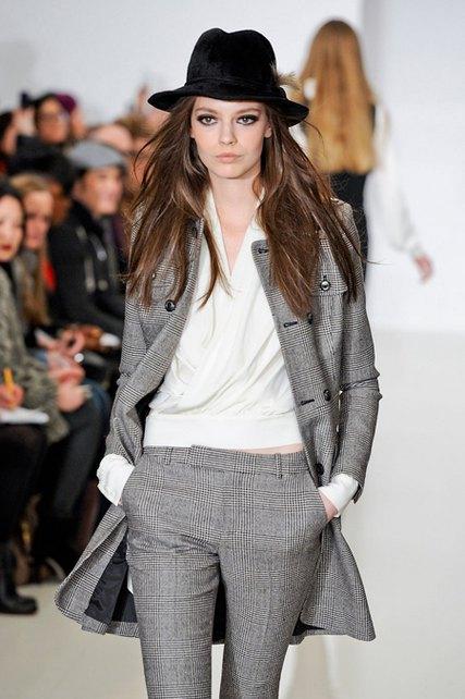 black-wide-brimmed-fur-felt-fashion-fedora-hat-feather-women