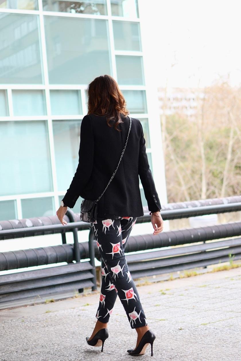 el-blog-de-silvia-rodriguez-streetstyle-Estampado-Peces-Dolores-Promesas-blog-de-moda-tendencia (4)