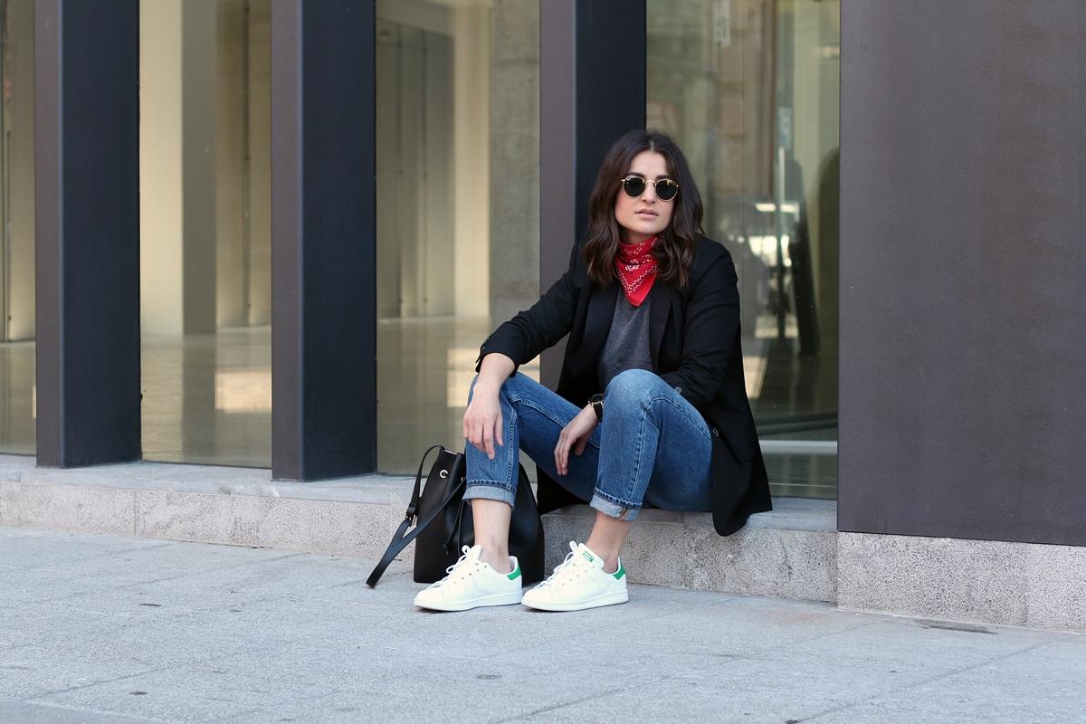 fashion-snapshots-blog-fashion-blogger-bilbao-adidas-stan-smith-arizona-vintage-red-bandana-zoe-de-la-concepcion (4)