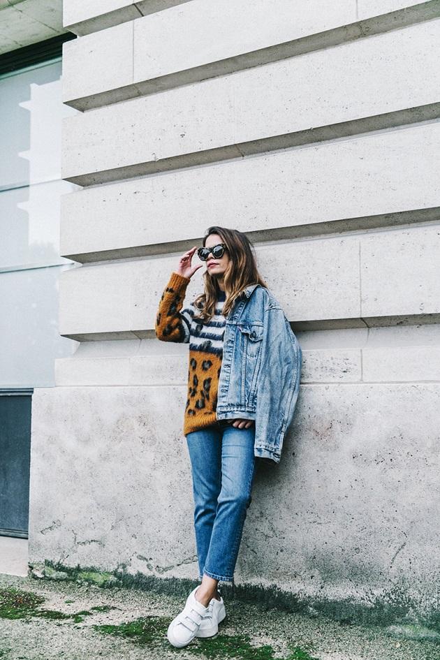 Double_Denim-Sandro_Paris-Leopard_Jumper-Sneakers-Vintage_Levis-Cropped_Trousers-Outfit-Street_Style-4