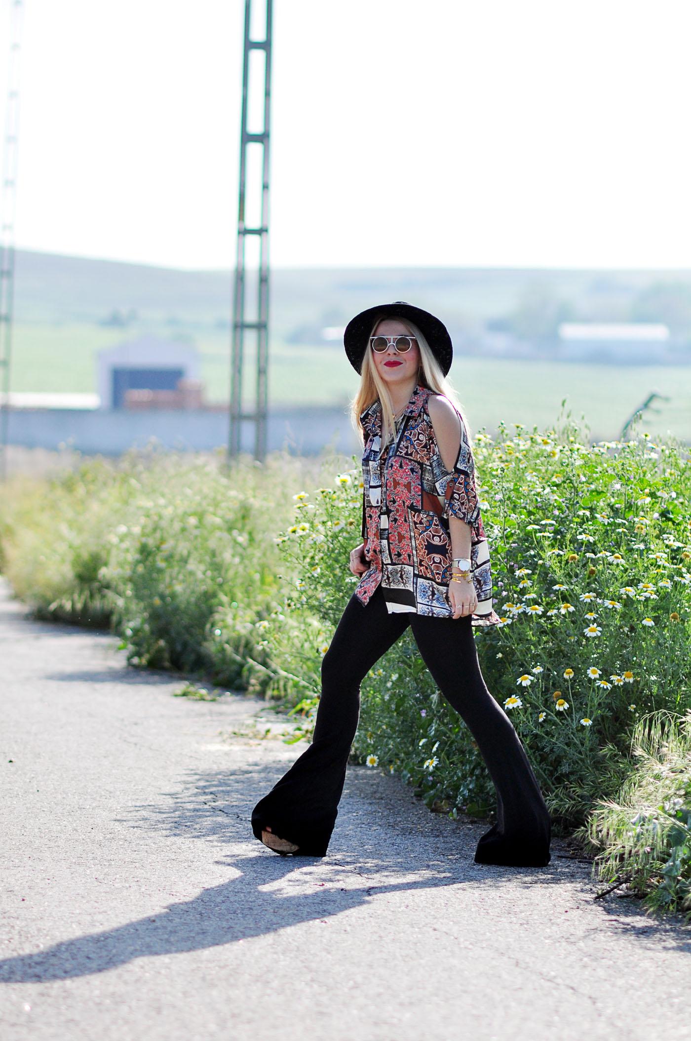 Look-con-camisa-vintage-y-pantalones-de-campana-13