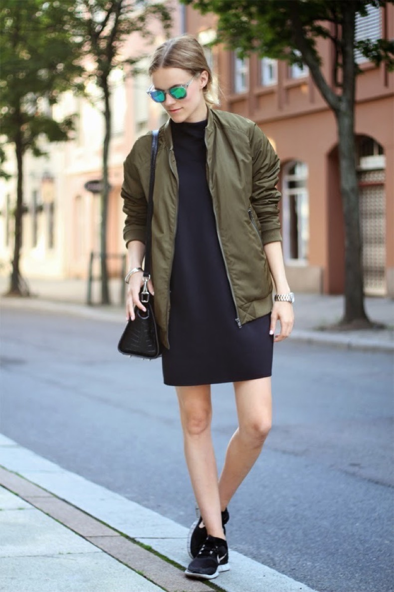 outfit_street_style_bomber_mirror_lens_nike_sneakers_free-run_military-green_fashion_trends_verde_militar_cazadoras_front-row-blog_looks