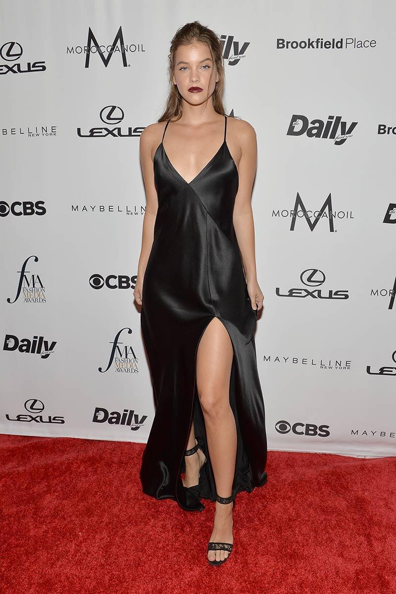 premios_fashion_media_awards_nueva_york_emily_ratajkowski_661516021_800x