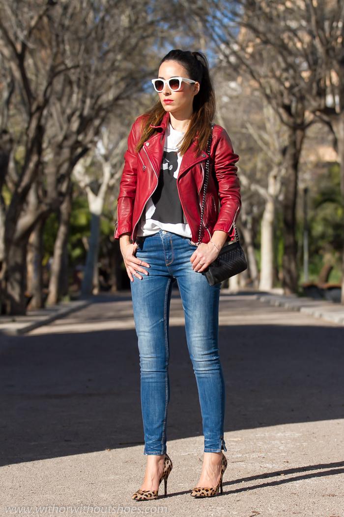 woman_fashion_blogger_aspainred_leather_biker_jacketskinny_jeansanimal_print_stilettoscasual_chic_rock_outfitimg_5785