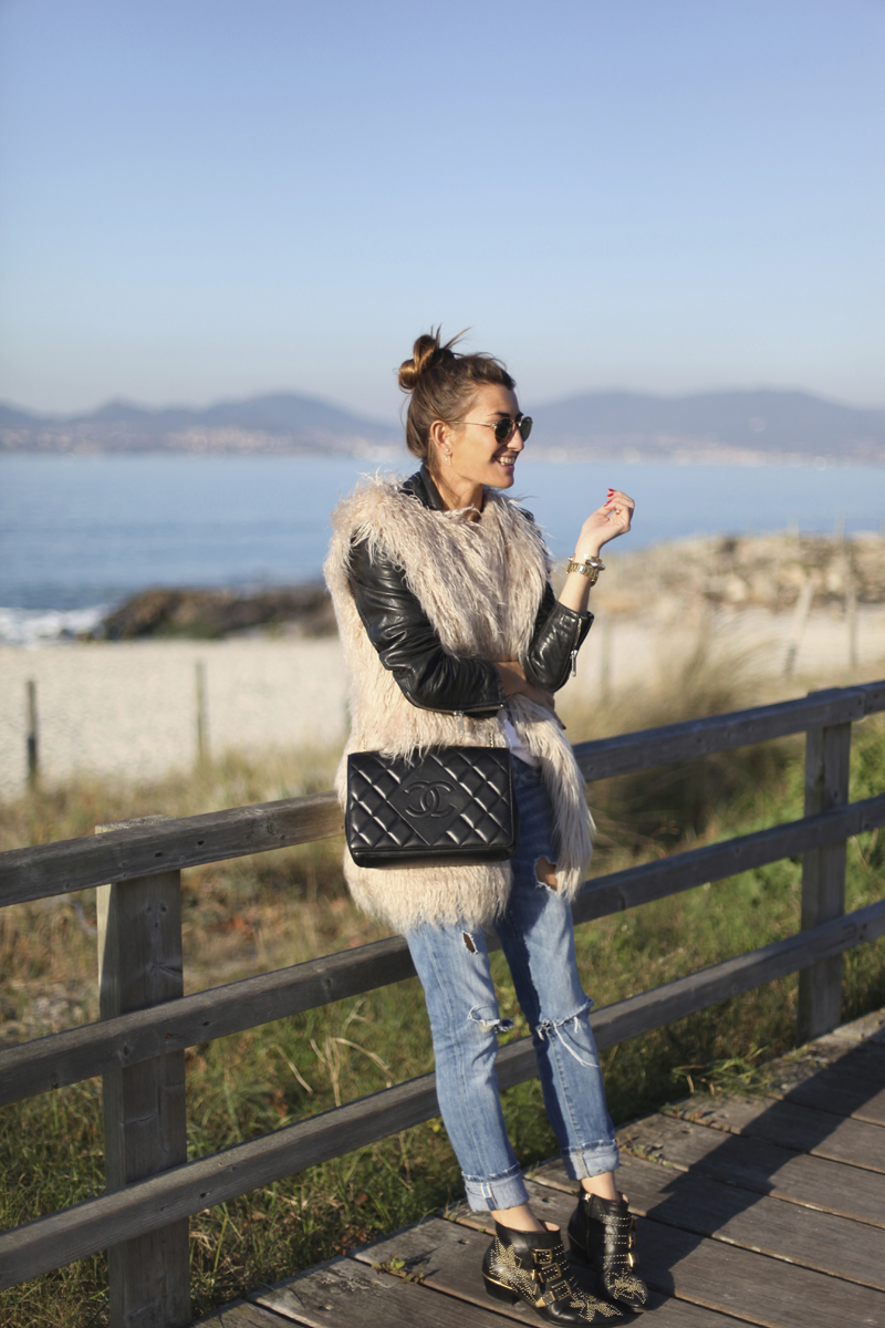 1-bartabac-bartabacmode-faux-fur-jeans-chloe-chanel-bag-beach-blog-blogger-fashion-look-streetstyle-silvia-jpg
