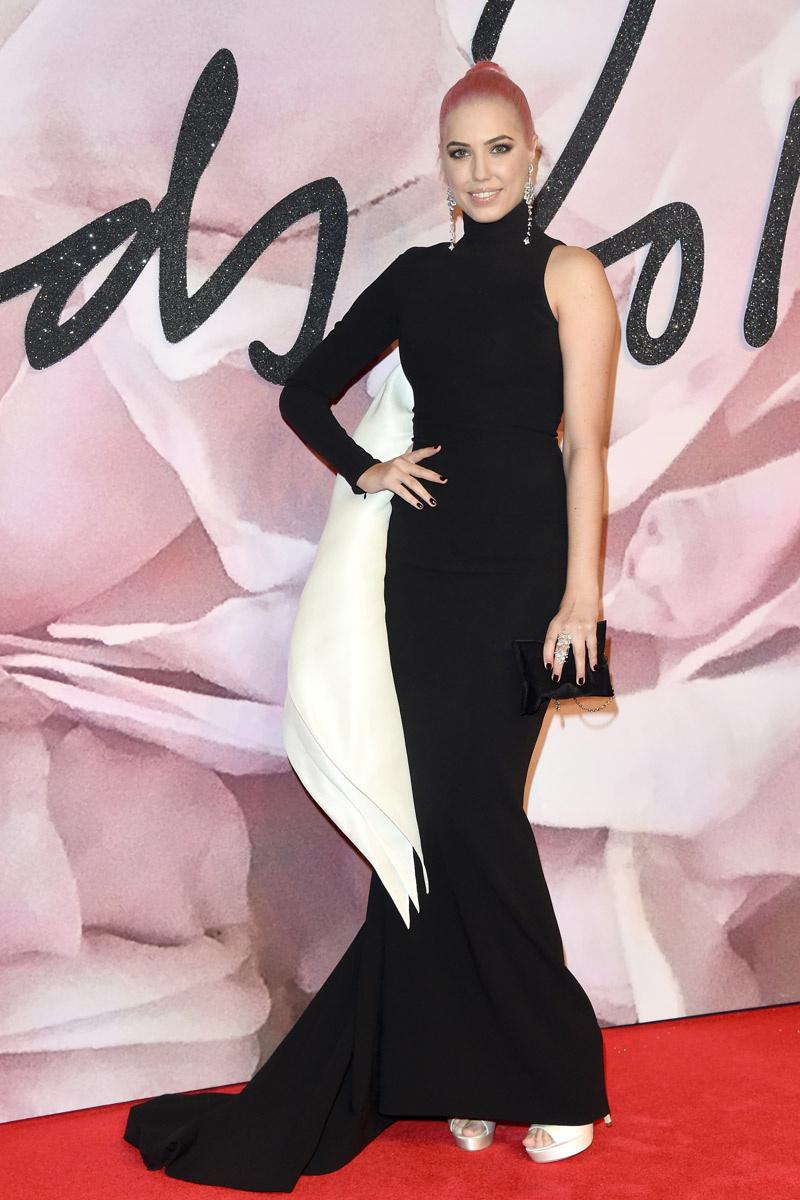 british_fashion_awards_2016_810649672_800x