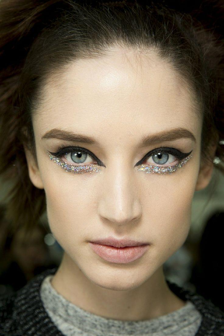 cat-eye-and-glitter
