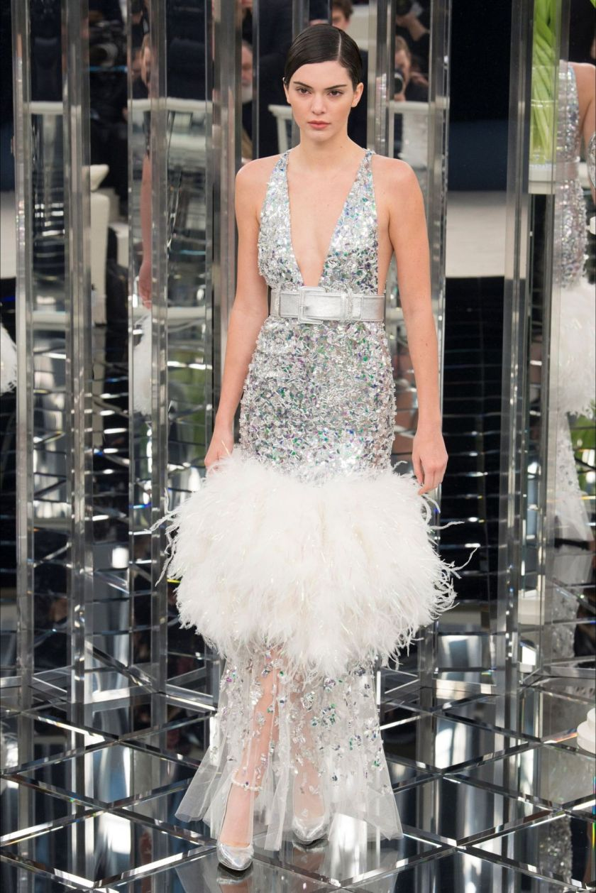 kendall-jenner-at-chanel-fashion-show-at-paris-fashion-week-01-23-2017_1