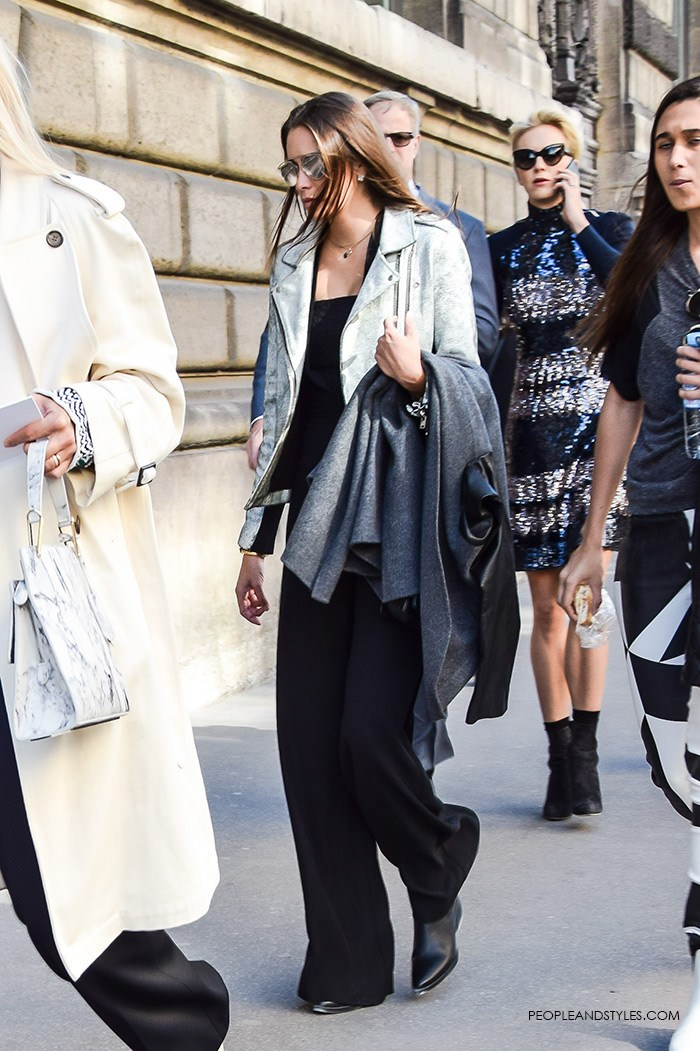 paris-fashion-week-street-style-fashion-biker-jacket-stone-color-black-wide-leg-pants-mirrored-sunglasses-people-and-styles-2