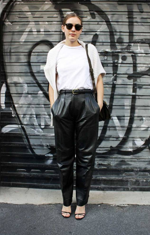 STREET-STYLE-SLOUCHY-LEATHER-PANTS-TROUSERS-OVERSIZED-BAGGY-RAY-BAN-SUNGLASSES-WHITE-TEE-TSHIRT-KNIT-SWEATER-OVER-THE-SHOULDER-BELT-SHOULDER-CROSSBODY-BAG-STRAPPY-HEELS