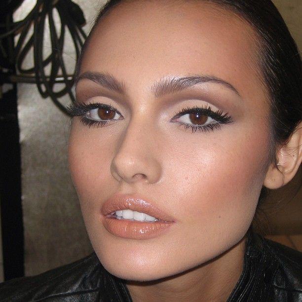 302bd9b4ccb74a490261e9e056c126e6--face-cut-makeup-contouring